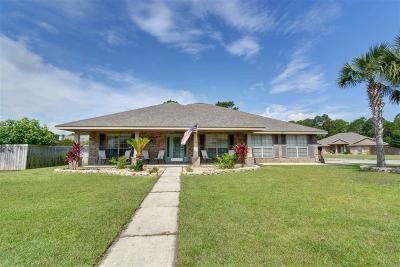 Gulf Breeze Single Family Home For Sale: 1819 Twin Pine Blvd