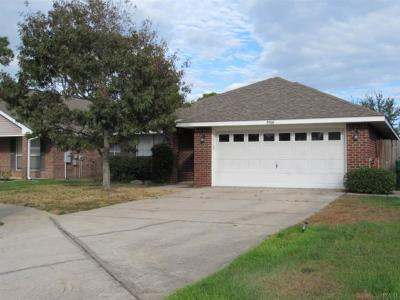 Gulf Breeze FL Rental For Rent: $1,575