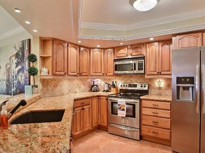 Vero Beach Condo/Townhouse For Sale: 1821 Mooringline Drive #PHA
