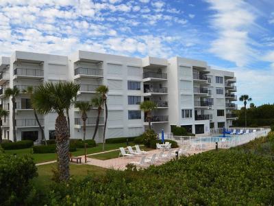 Vero Beach Condo/Townhouse For Sale: 1700 Ocean Drive #304V