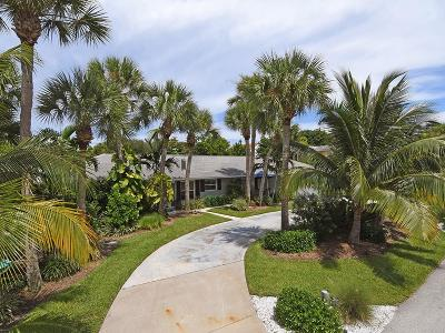 Vero Beach Single Family Home For Sale: 725 Holly Road