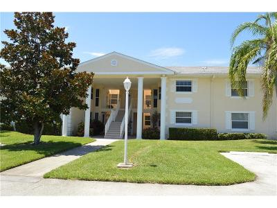 Vero Beach Condo/Townhouse For Sale: 458 Grove Isle Circle #458