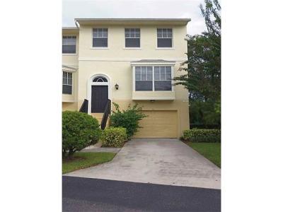 Vero Beach Condo/Townhouse For Sale: 1610 42nd Square #104