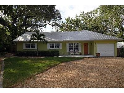 Vero Beach Single Family Home For Sale: 456 Holly Road