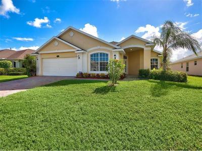 Vero Beach Single Family Home For Sale: 514 N Valencia Circle