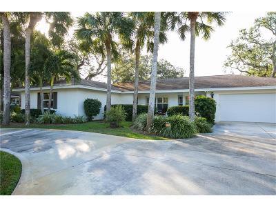 Vero Beach Single Family Home For Sale: 516 Honeysuckle Lane