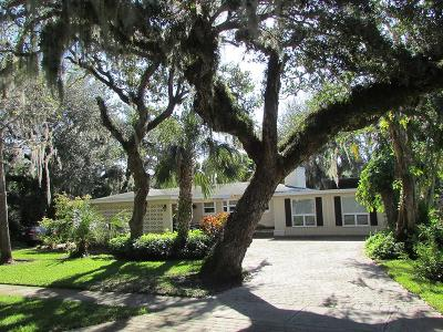 Vero Beach Single Family Home For Sale: 560 Acacia Road