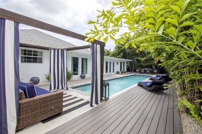 Vero Beach Single Family Home For Sale: 600 Honeysuckle Lane