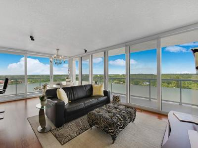 Condo/Townhouse For Sale: 3554 Ocean Drive #901S