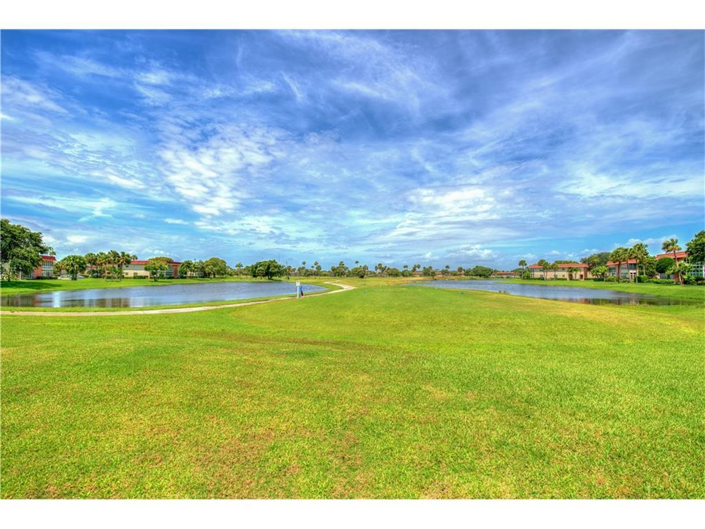 Listing: 5 Vista Gardens Trail #203, Vero Beach, FL.| MLS# 199010 ...