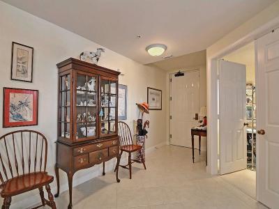 Vero Beach Condo/Townhouse For Sale: 940 Turtle Cove Lane #305