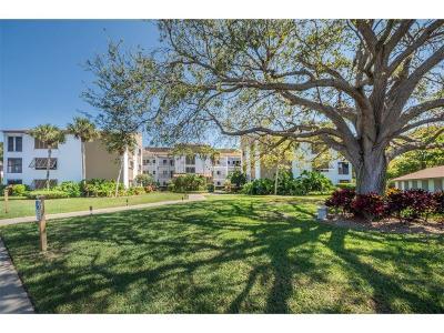 Sebastian Condo/Townhouse For Sale: 6175 Mirror Lake Drive #309