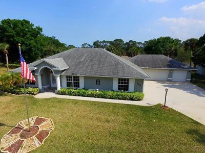 Sebastian Single Family Home For Sale: 680 Bayfront Terrace
