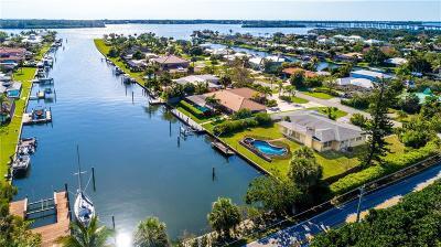 Vero Beach Single Family Home For Sale: 26 Park Avenue
