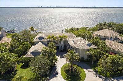 Vero Beach, Indian River Shores, Melbourne Beach, Sebastian, Palm Bay, Orchid Island, Micco, Indialantic, Satellite Beach Single Family Home For Sale: 255 Riverway Drive