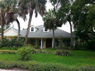 Vero Beach Single Family Home For Sale: 615 Iris Lane