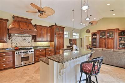 Vero Beach Single Family Home For Sale: 2220 Ocean Oaks Lane