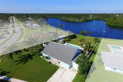 Sebastian Single Family Home For Sale: 831 Bailey Drive
