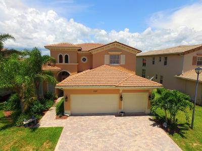 Vero Beach Single Family Home For Sale: 1757 SW Belmont Circle