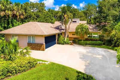 Castaway Cove Single Family Home For Sale: 1015 Mangrove Lane
