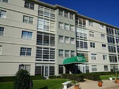 Vero Beach Condo/Townhouse For Sale: 2333 Indian River Boulevard #502
