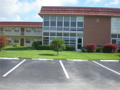 Vero Beach Condo/Townhouse For Sale: 3 Vista Palm Lane #101