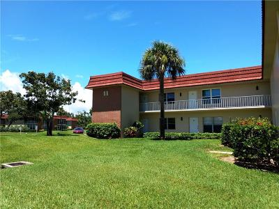 Vero Beach Condo/Townhouse For Sale: 88 Crooked Tree Lane #102