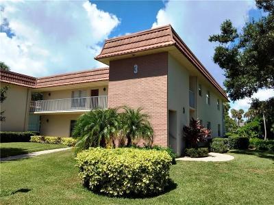 Vero Beach Condo/Townhouse For Sale: 3 Vista Gardens Trail #202