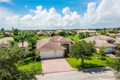 Vero Beach Single Family Home For Sale: 2385 Lake Ibis Lane