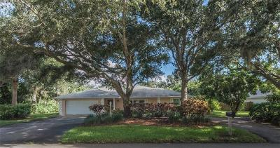 Vero Beach Single Family Home For Sale: 705 Flamevine Lane