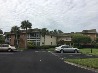 Vero Beach Condo/Townhouse For Sale: 44 Vista Gardens Trail #202
