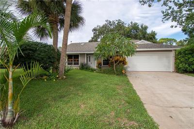Sebastian Single Family Home For Sale: 210 Columbus Street