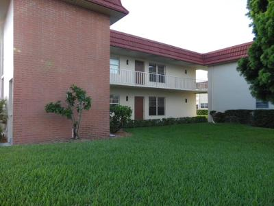 Vero Beach, Indian River Shores, Melbourne Beach, Melbourne, Sebastian, Palm Bay, Orchid Island, Micco, Indialantic, Satellite Beach Rental For Rent: 76 Royal Oak Drive #106