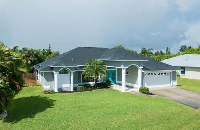 Sebastian Single Family Home For Sale: 910 Carnation Drive