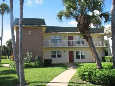 Vero Beach Condo/Townhouse For Sale: 2 Vista Gardens Trail #206