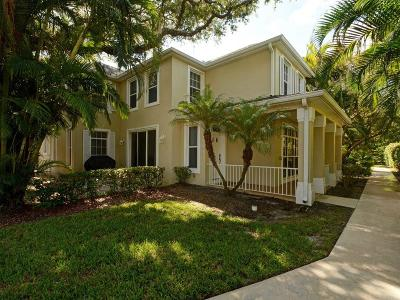 Vero Beach Single Family Home For Sale: 8705 Palm Tree Lane