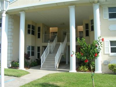 Vero Beach Condo/Townhouse For Sale: 720 Lake Orchid Circle #102
