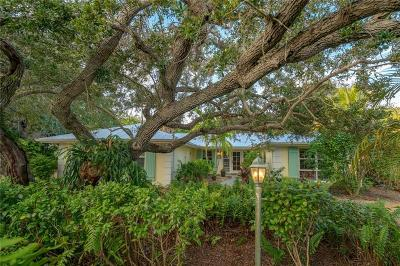 Vero Beach Single Family Home For Sale: 815 El Perdido Street
