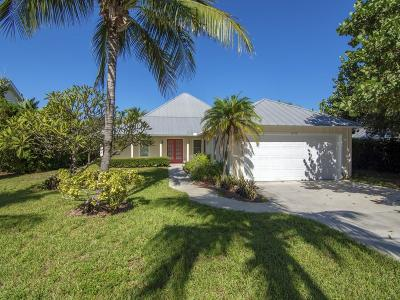 Vero Beach Single Family Home For Sale: 2150 Oyster Bay Drive