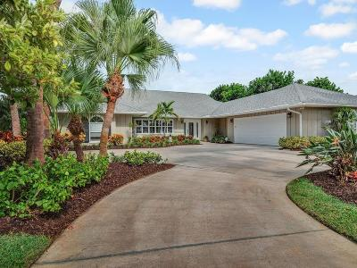 Vero Beach Single Family Home For Sale: 104 Cache Cay Drive