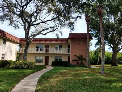 Vero Beach Condo/Townhouse For Sale: 27 Vista Gardens Trail #204