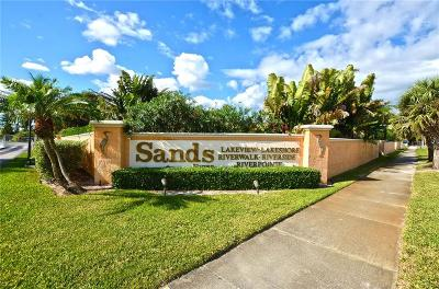 Hutchinson Island Condo/Townhouse For Sale: 3225 Lakeview Circle #22102