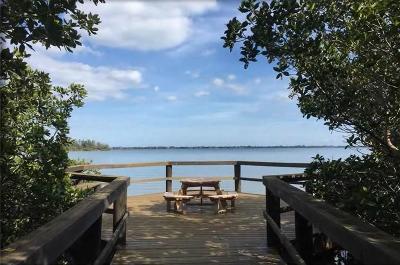 Vero Beach Condo/Townhouse For Sale: 850 Lake Orchid Circle #102