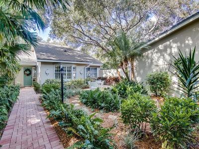Vero Beach Condo/Townhouse For Sale: 125 Park Shores Circle #24E