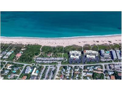 Vero Beach Condo/Townhouse For Sale: 1616 Ocean Drive #202V