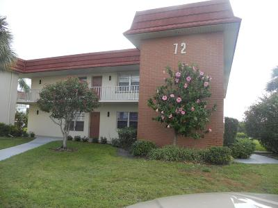 Vero Beach Condo/Townhouse For Sale: 72 Royal Oak Court #106