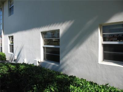 Vero Beach Condo/Townhouse For Sale: 53 Woodland Drive #107