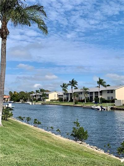Vero Beach Condo/Townhouse For Sale: 1860 Robalo Drive #101A