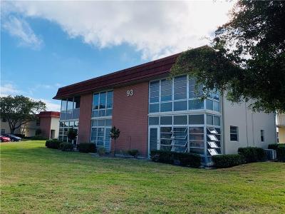 Vero Beach Condo/Townhouse For Sale: 93 Spring Lake Drive #201