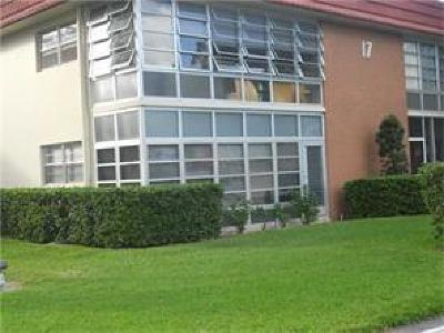Vero Beach Condo/Townhouse For Sale: 17 Vista Palm Lane #207